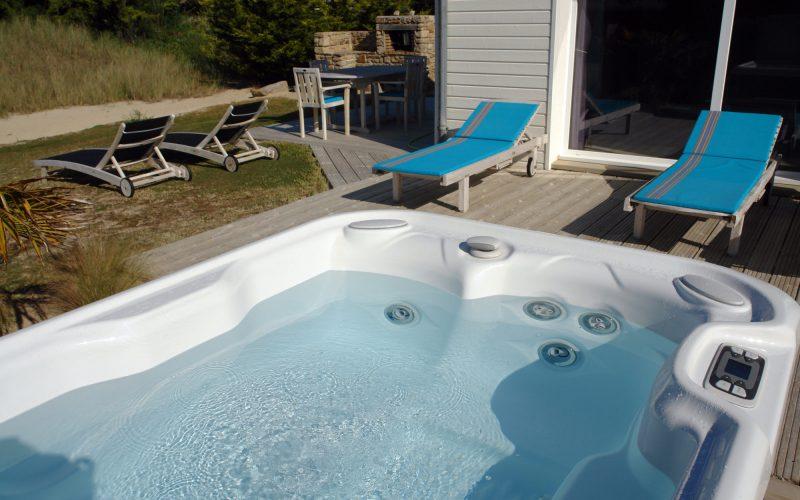 Vacances de luxe avec spa et piscine en bord de mer