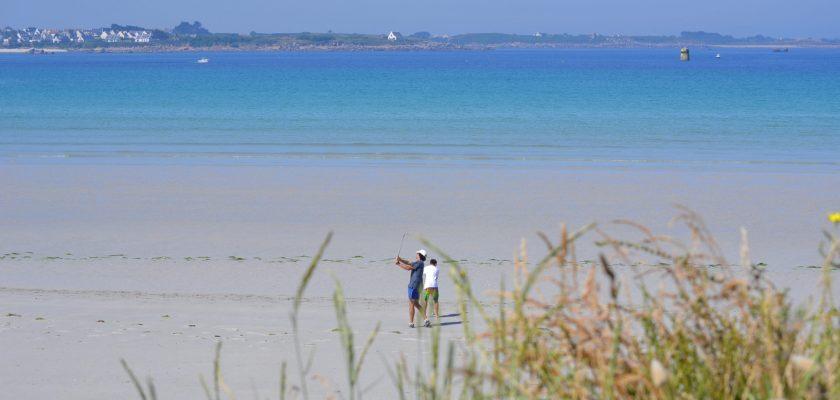 plage déserte pour vos vacances en Bretagne
